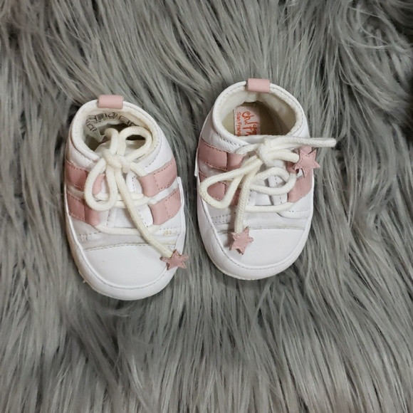 d6e82f55daf5 New born to 3 months old baby shoes